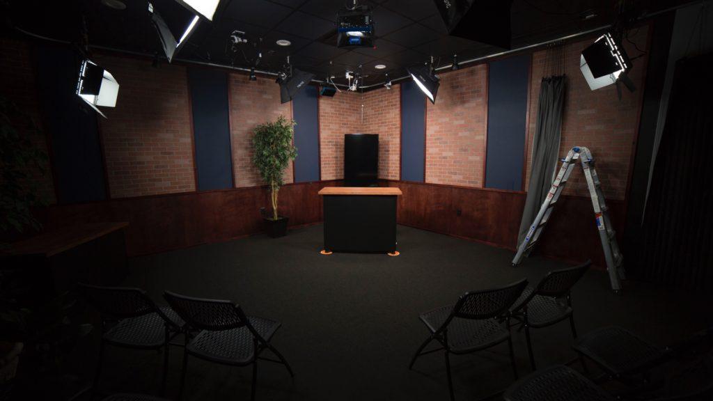studio_presenter_5